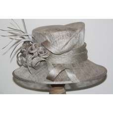Hats gray with flower decoratie