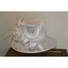 Hats white with flower decoratie